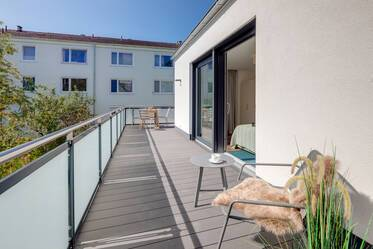 Beautifully furnished 2.5-room apartment with roof terrace in Munich Milbertshofen