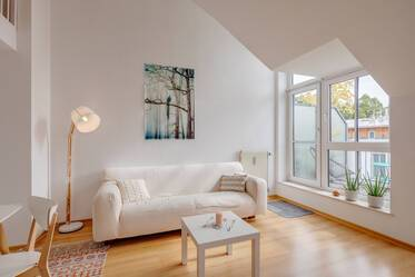 Nicely furnished 1.5-room apartment with gallery in Munich Harlaching