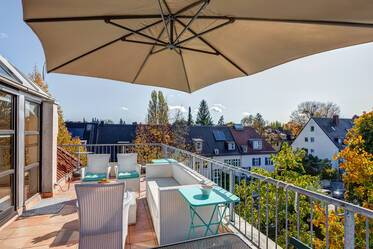 Very attractively furnished 2-room apartment in Munich Nymphenburg
