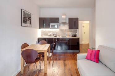 Stylishly furnished 2-room apartment at Zenettiplatz