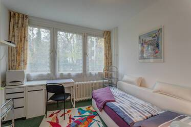 Very convenient furnished apartment, facing the quiet garden