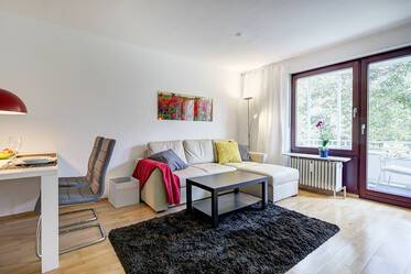 Quiet 2-room apartment with modern furniture in Munich-Harlaching