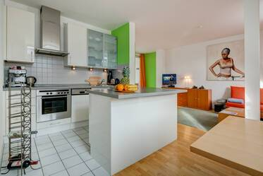 Top location: 2.5-room attic apartment in Munich-Glockenbachviertel, near Sendlinger Tor