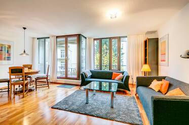 Prime location in Schwabing: high-quality apartment with WiFi