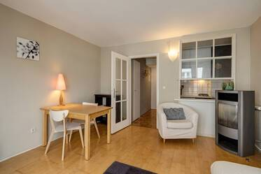 Furnished 1.5-room apartment in prime location in Schwabing