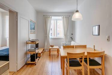 Charming period apartment near the Isar