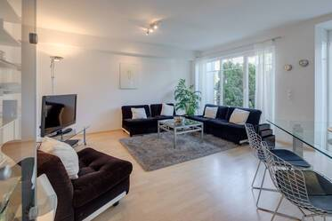 Waldtrudering: Very quiet, furnished 2.5-room apartment with garden on two floors