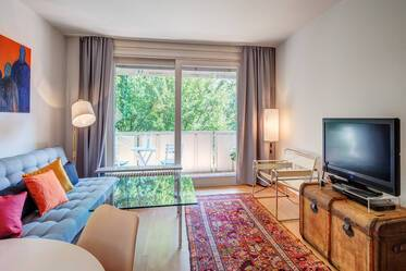 Beautiful location in Munich-Schwabing: furnished flat with parking near tube line U2 Josephsplatz