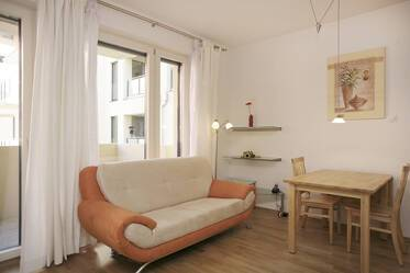 Top location between English Garden and Leopoldstraße: bright, nicely furnished 1-room apartment