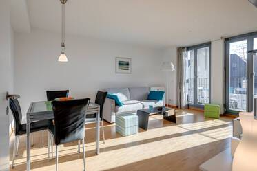 In sought-after location in Schwabing: Well-maintained, nicely furnished 2-room apartment