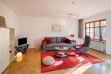 Quiet and sunny with south-balcony: Beautiful apartment in good residential area in Munich-Berg am Laim