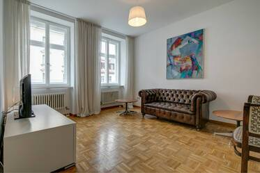 At Rosenheimer Platz: Nicely furnished 3-room apartment
