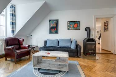 Haidhausen/Ostbahnhof: 3-room apartment in an old building, high ceilings, quiet neighborhood