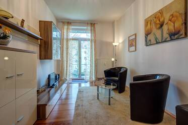 Schwabing, near Münchner Freiheit: beautiful, furnished 2-room apartment with balcony