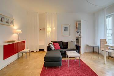 Spacious, nicely furnished 1-room apartment with internet, near Hohenzollernplatz