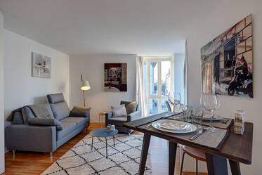 Very good location in Schwabing: Beautifully furnished 2-room apartment with internet