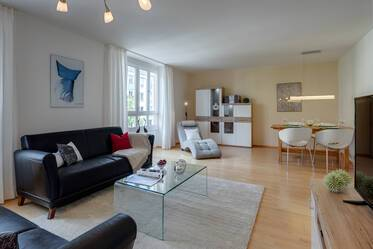 Prime location Maxvorstadt: bright 3-room apartment with WiFi