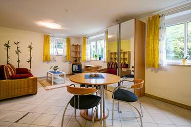 Johanneskirchen, northeast of Munich: furnished 1-room souterrain apartment with parking space