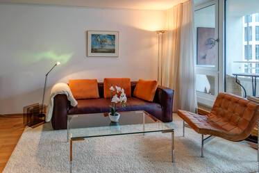 Prime location near Gasteig: elegant maisonette apartment