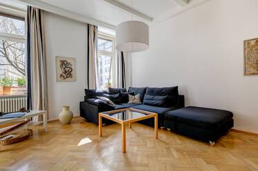 Very beautiful, furnished 2-room period apartment in Isarvorstadt, very quiet location