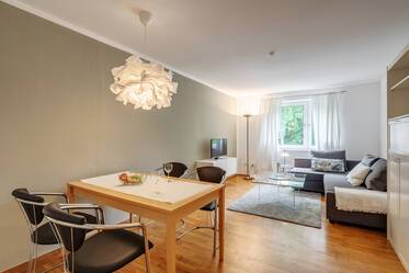 Freshly renovated, beautiful and bright 3-room apartment in Munich-Bogenhausen