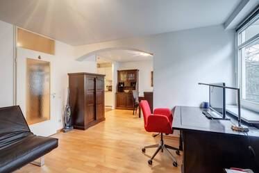 Near U2 Josephsplatz: Attractively furnished 1-room apartment with parking and balcony