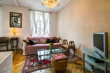 Charming period apartment in ideal location in Haidhausen, only 5 minutes from Munich East (Ostbahnhof)