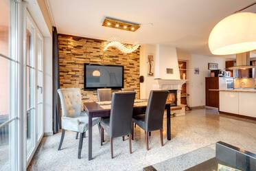 Modern style furnished 5-room terraced house with open kitchen and garden view, Munich Feldmoching