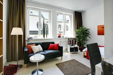 Beautifully furnished 1-room apartment in Munich Lehel