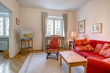 Nicely furnished 2-room apartment in Munich Schwabing