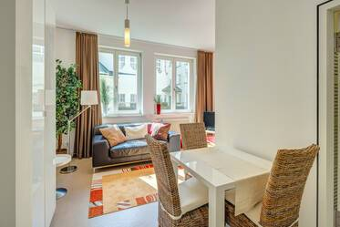 Prime location in Lehel: bright apartment