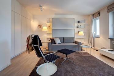 Premium: luxuriously furnished 1-room apartment with large balcony in prime location in Munich-Schwabing