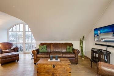 Beautifully furnished 2.5- apartment with gallery  München Englschalking
