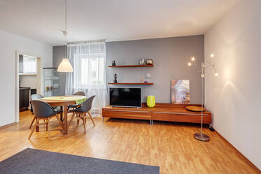 Fully furnished, modern 1-room apartment in quiet location in Munich-Moosach
