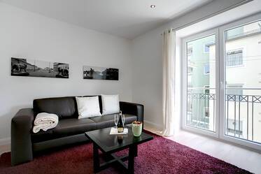 Exclusive, furnished 3-room apartment in prime location in Schwabing, near Münchner Freiheit