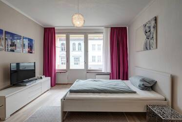 Nicely furnished 1-room studio with balcony in beautiful location in Munich-Schwabing