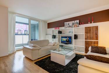 Lovely, bright 4-room apartment with three bedrooms in good location, Munich-Giesing