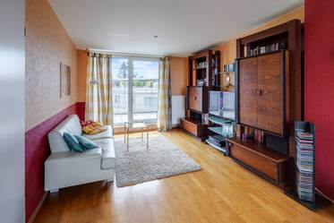 Nicely furnished, bright 2-room apartment with two roof terraces in Munich-Sendling