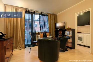 Gärtnerplatzviertel: Nicely furnished 1-room apartment  with balcony