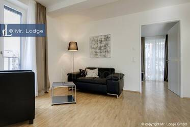 High-quality furnished 2-room apartment in Munich-Großhadern with lovely balcony, near U-Bahn U6