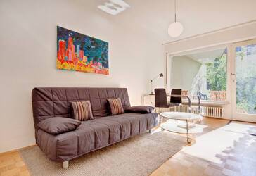Near University and the Pinakotheken: Lovely, furnished 1-room apartment with terrace