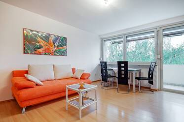 Laim: Bright, furnished apartment with south-facing balcony