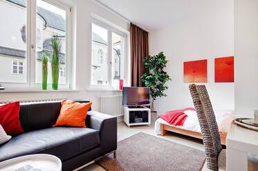 Prime location in Munich-Lehel: Bright and beautiful 1-room apartment in new building (2009)