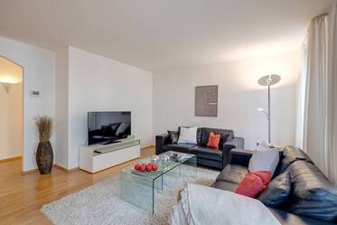 Modern apartment with WiFi in prime location in Maxvorstadt