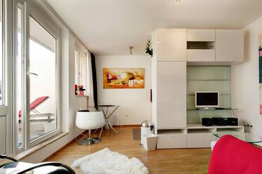Beautifully furnished 1-room apartment with roof terrace in Munich Milbertshofen