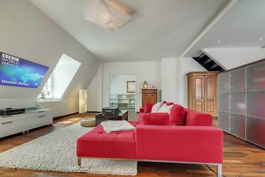 Best location in Schwabing: High-quality furnished maisonette apartment with charming roof-deck