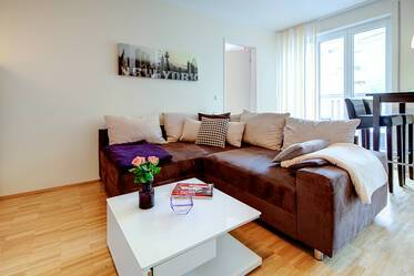 Nicely furnished 2-room apartment with parking space, close to the Olympiapark