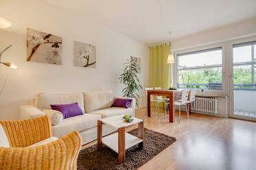 Very comfartable furnished 1,5 room apartment with small, seperated bedroom