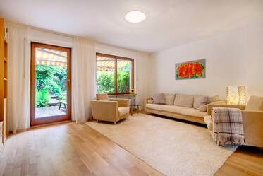 Munich Oberföhring: beautiful 6-room house with 3 bedrooms and single spaced garage
