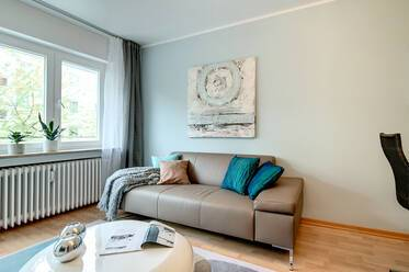 Charmingly furnished 2 room apartment in the middle of Munich Schwabing; Internet flat included